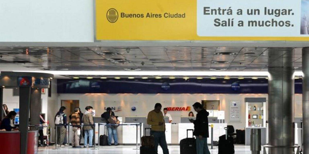 """Vuelos cancelados en Argentina por protesta contra llegada de aerolíneas """"low cost"""""""