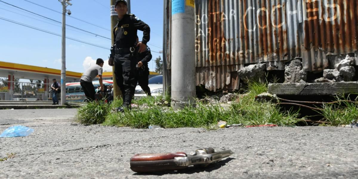 Sicarios disparan a custodios en zona 7