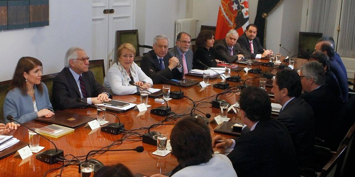 """Bachelet por cifras económicas al alza: """"Esperamos que no sean una golondrina y se puedan ir consolidando"""""""