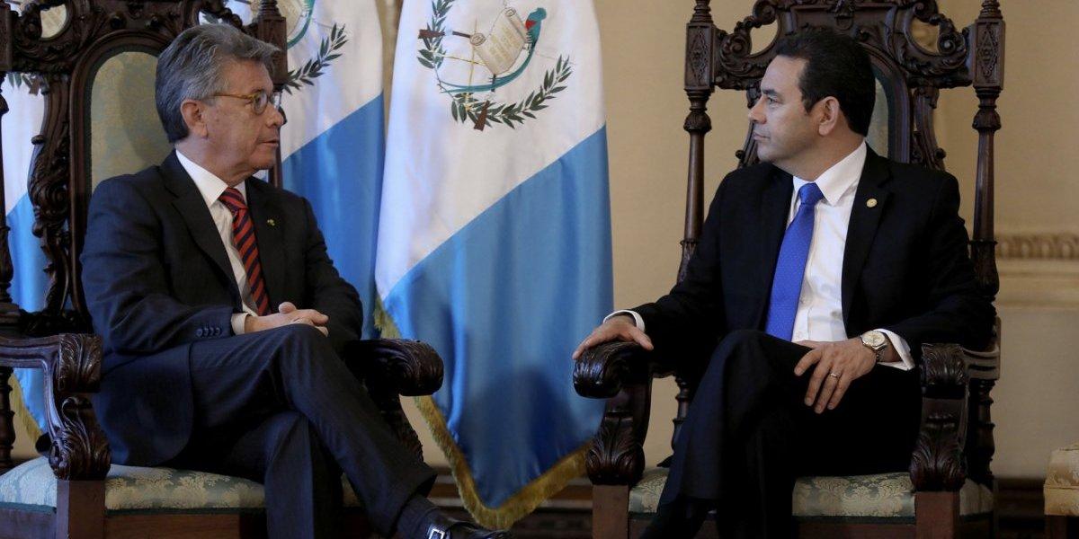 Presidente Morales recibe cartas credenciales de tres embajadores