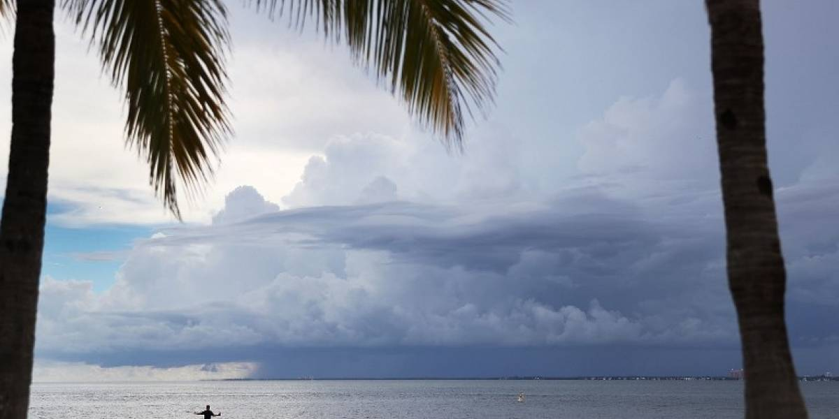 Florida se prepara para la llegada del huracán Irma