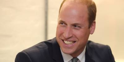 William leva o príncipe George para seu primeiro dia na escola