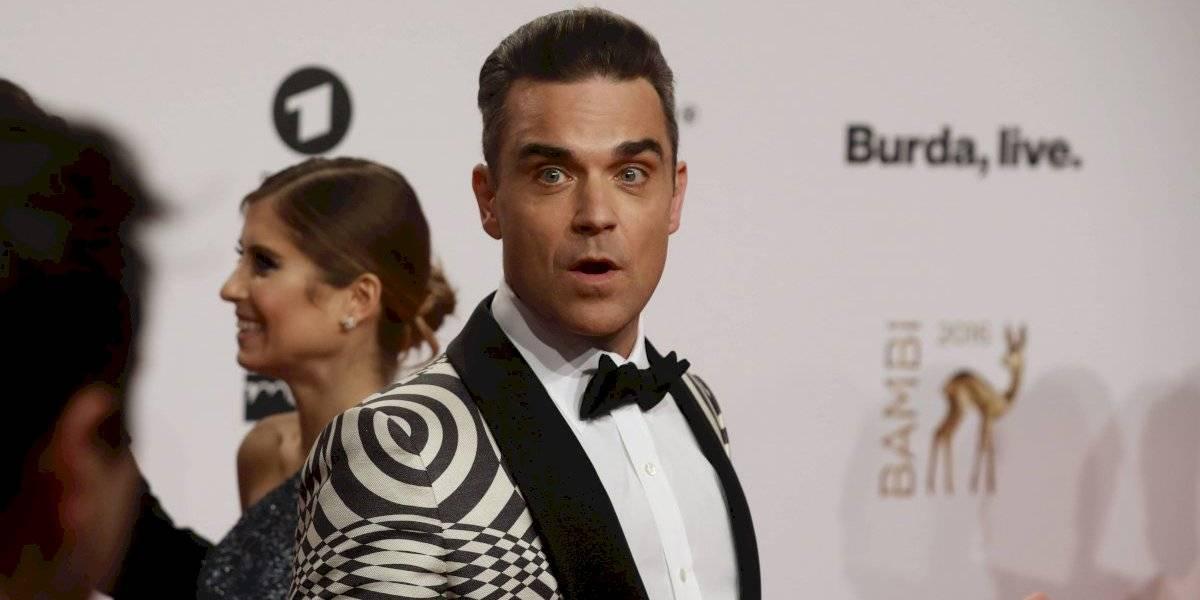 Robbie Williams tiene miedo a los extraterrestres y contrató seguridad las 24 hrs