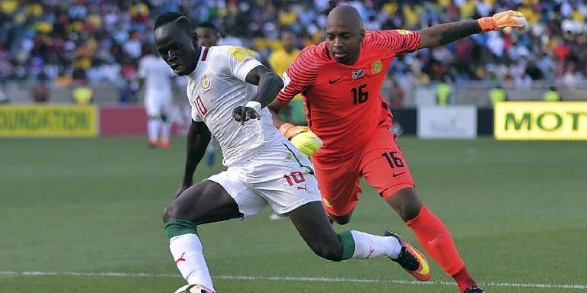 La decisión de repetir el partido entre Sudáfrica y Senegal sigue generando polémica