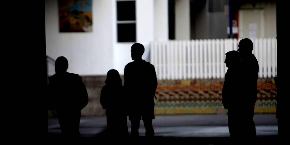 El debate que se abre luego del suicidio del estudiante de la Alianza Francesa: ¿Es responsabilidad de la ley o del colegio?