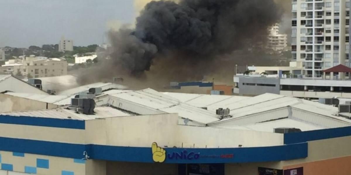 Reportan incendio en centro comercial Único, en Barranquilla
