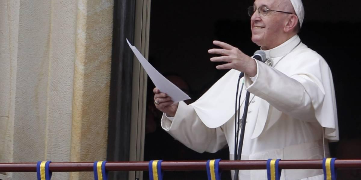 Conmoción en Bogotá por el paso del papa rumbo a la Nunciatura Apostólica