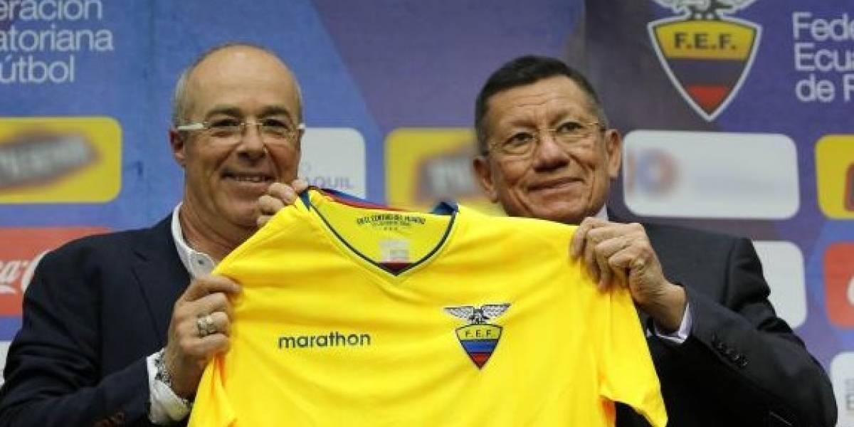 DT de Ecuador anuncia nómina con jugadores del medio local para enfrentar a Chile