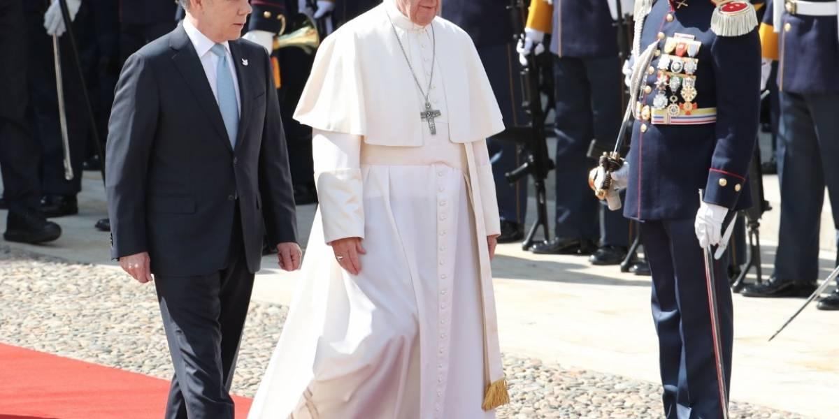 Fotos: Emotivos besos y abrazos del papa Francisco a niños especiales en el Palacio de Nariño