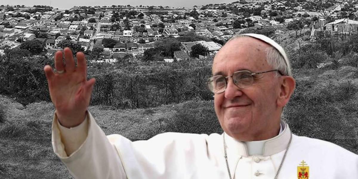 Me di una puñada: papa Francisco tras percance en el papamóvil