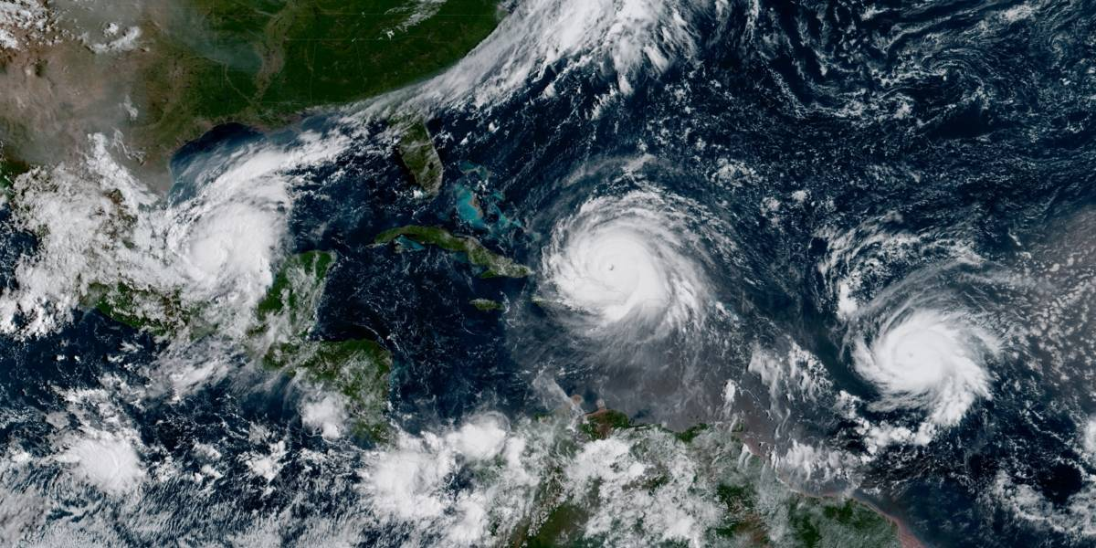 El huracán José se fortalece a categoría 3