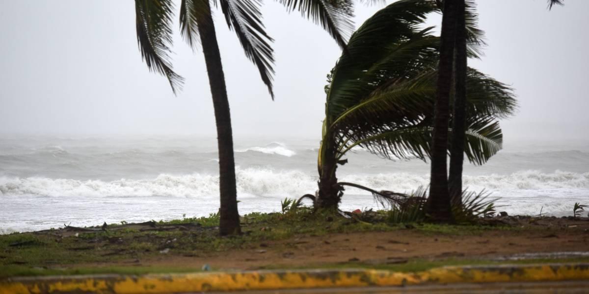 Inundaciones y caída de árboles deja incomunicados a varios pueblos