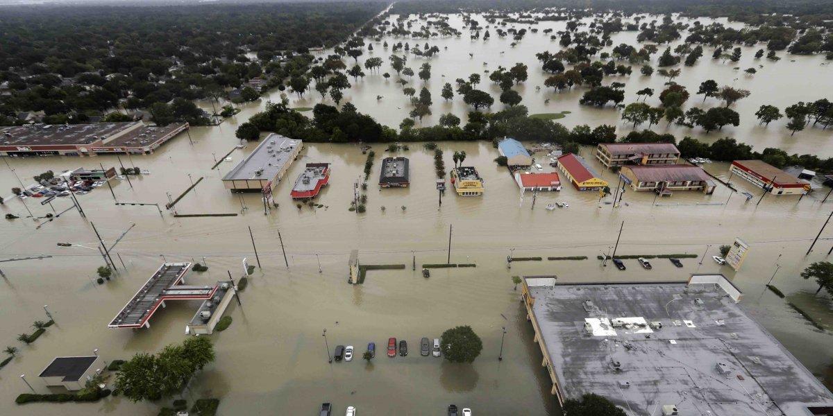 Lluvia de Harvey hizo que Houston se hundiera