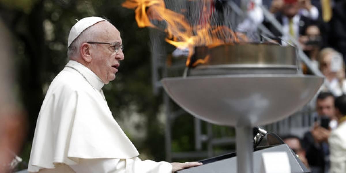 """El Papa insta a Colombia a """"huir de toda tentación de venganza"""""""