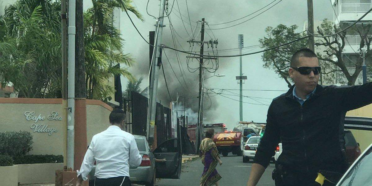 Bomberos apagan incendio reportado en Isla Verde
