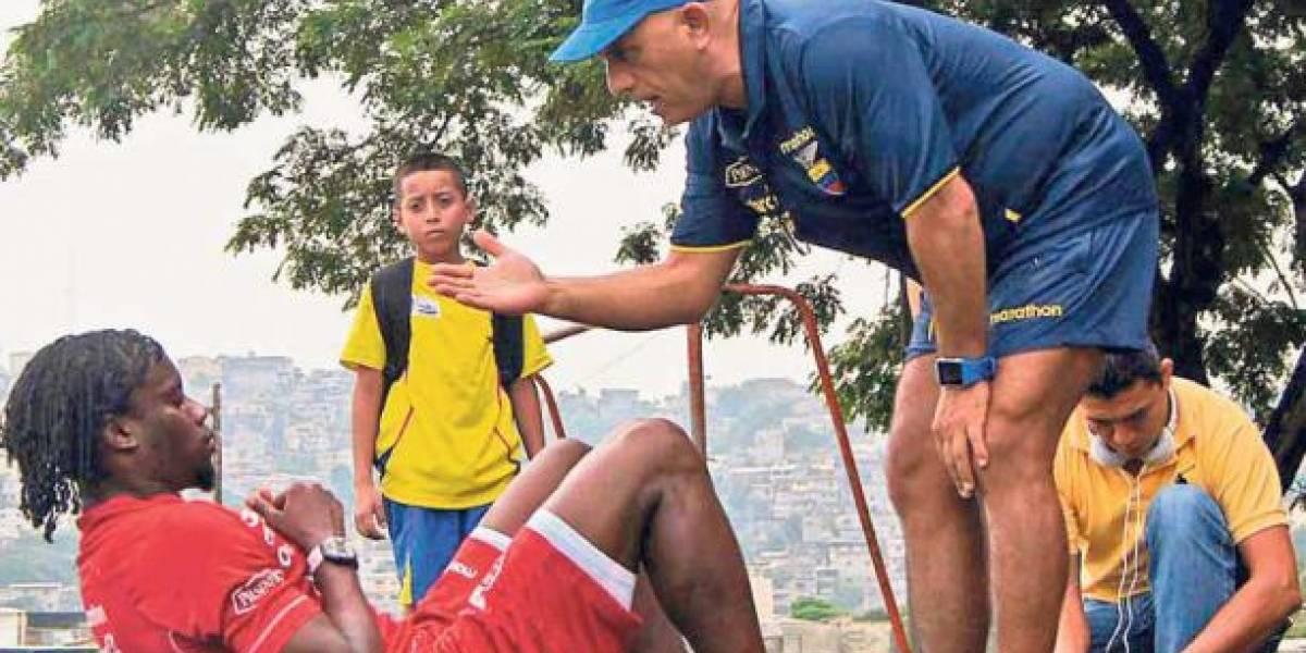 Rodrigo Figueroa renuncia como preparador físico de Ecuador