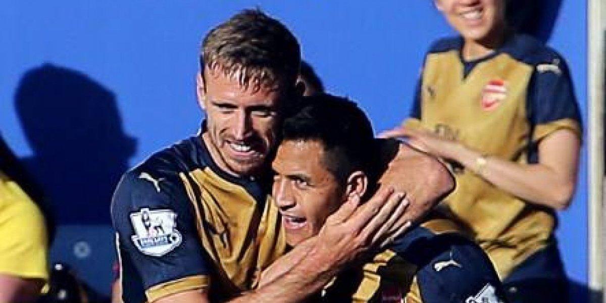 """Lateral español del Arsenal defiende a Alexis de los críticos: """"Siempre trata de ganar"""""""
