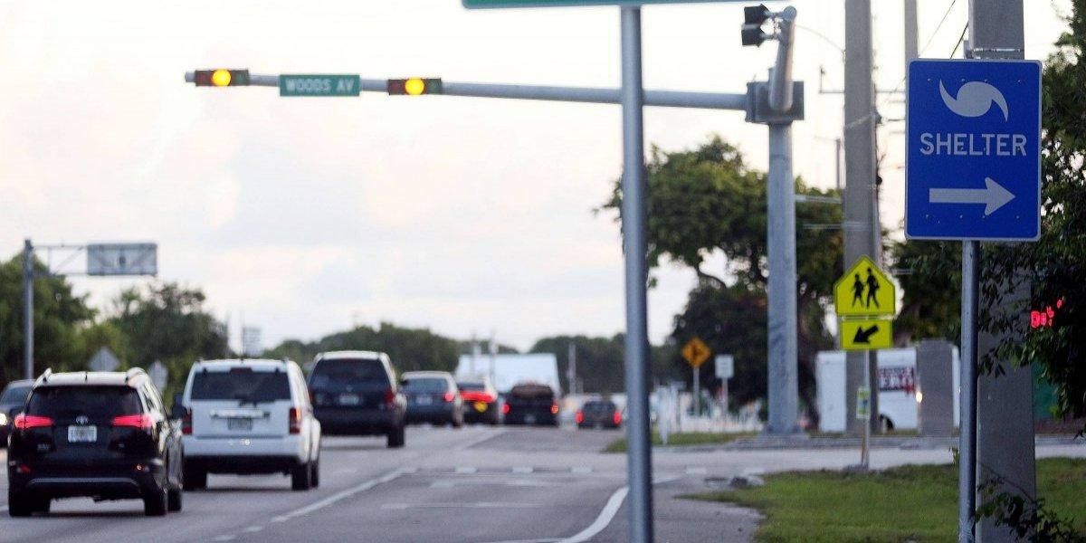 Florida evacúa y se prepara para el paso del poderoso huracán Irma