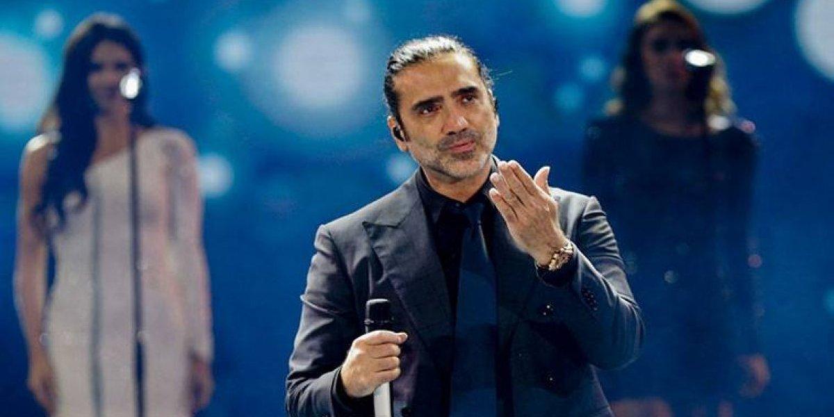 ¿Alejandro Fernández sube drogado al escenario?