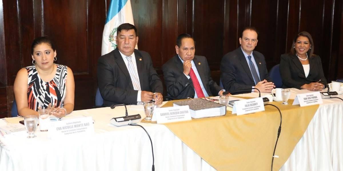 MP y CICIG ratifican denuncia contra el presidente ante comisión pesquisidora