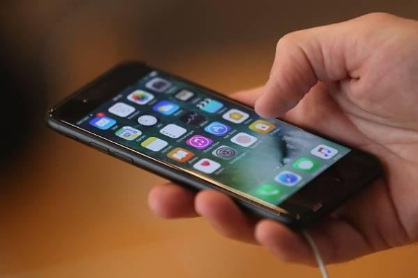 f4c6194cd98 Recarga la batería de tu teléfono celular ¡sin enchufarlo a la electricidad!