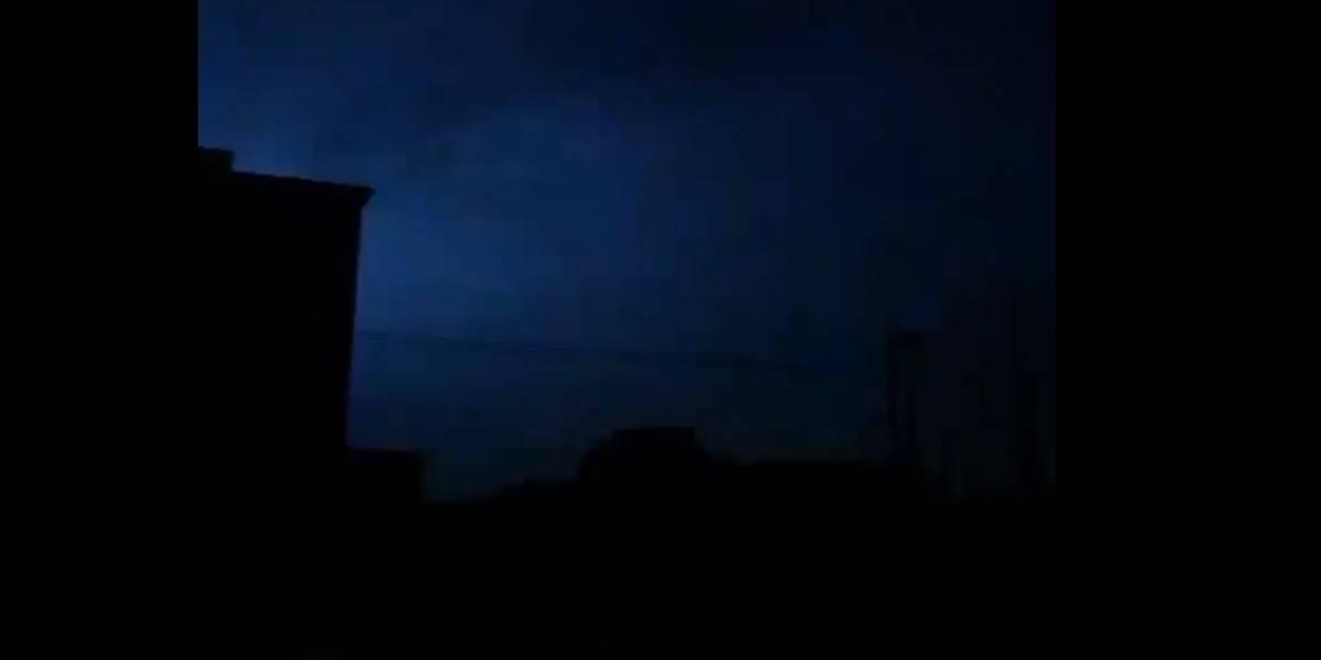 VIDEO. Graban extrañas luces en el cielo durante el terremoto en México