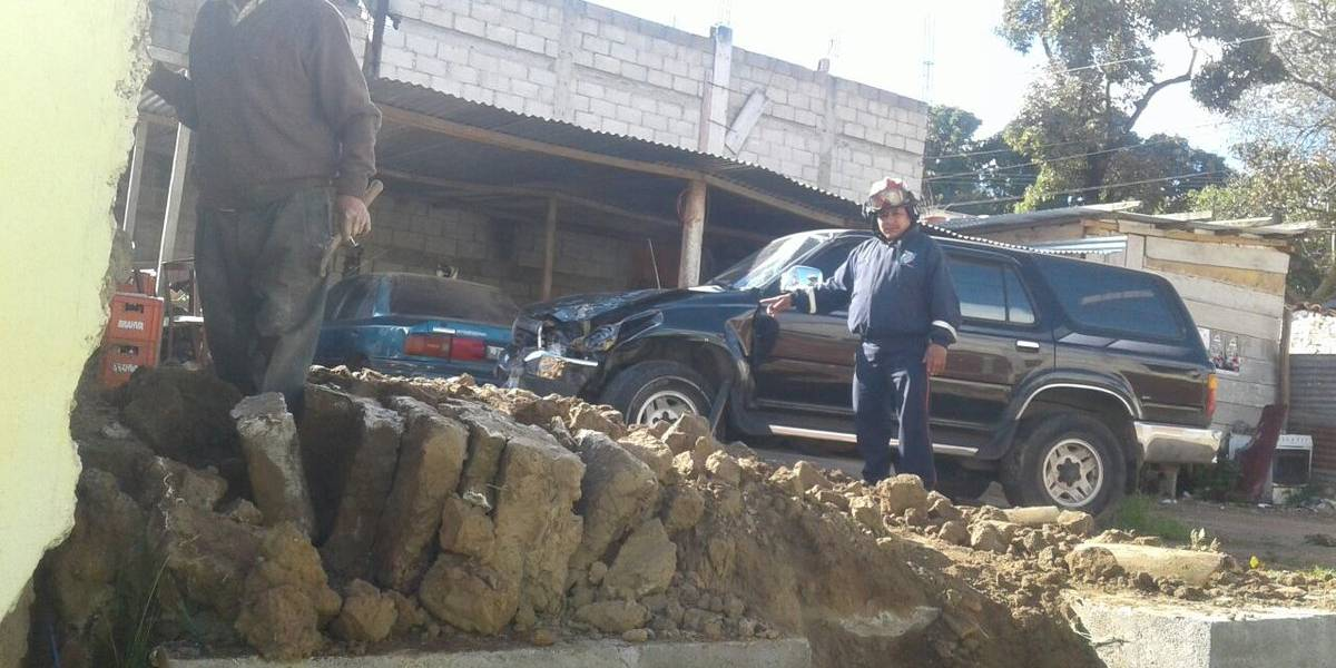 Presidente realiza verificación en áreas afectadas por el terremoto