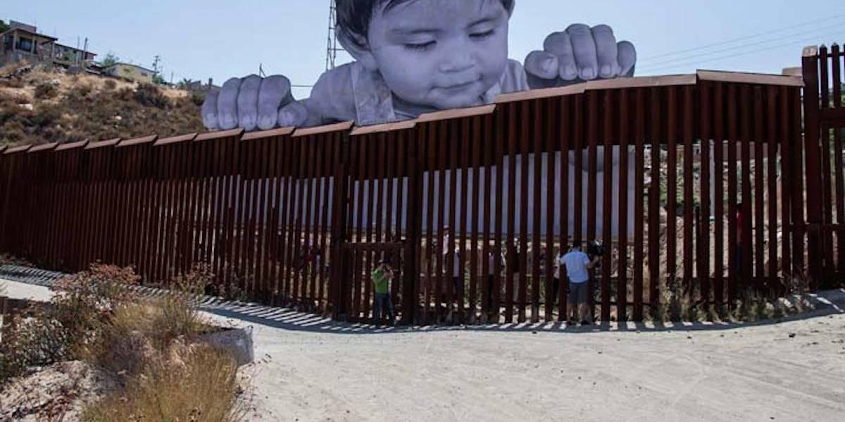 Esta es la historia detrás del mural pro migrantes en la frontera con EU