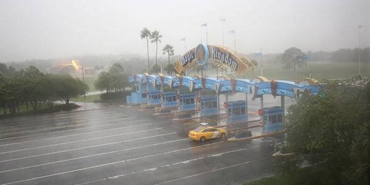 Orlando cierra las puertas de sus famosos parques temáticos por huracán Irma