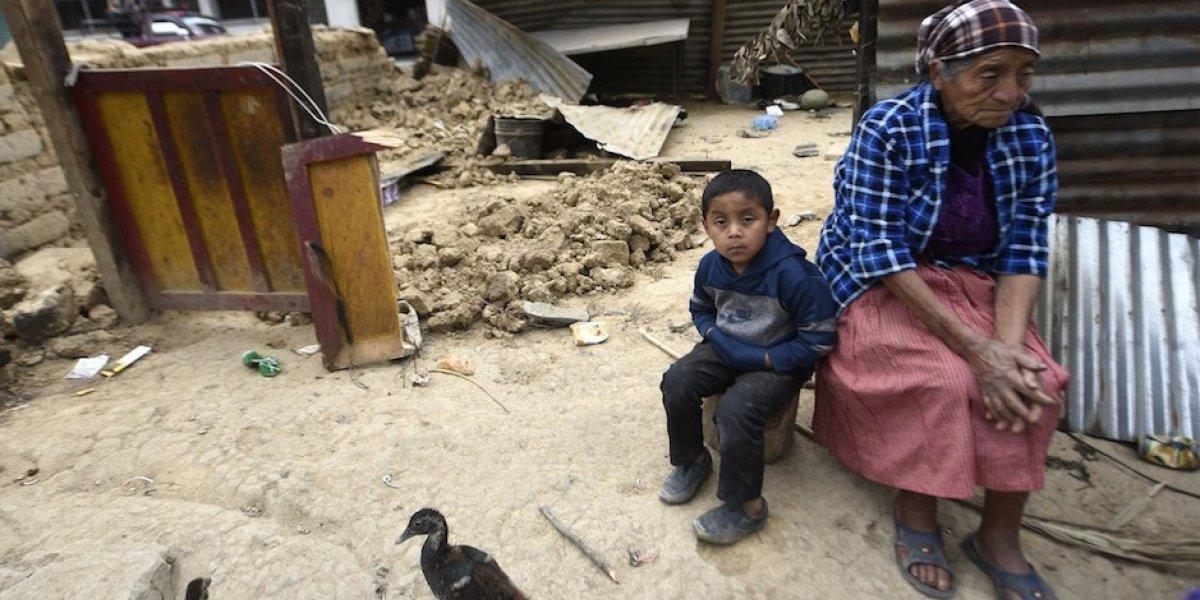 Famoso narrador de futbol muestra su amor por Guatemala con simbólica imagen