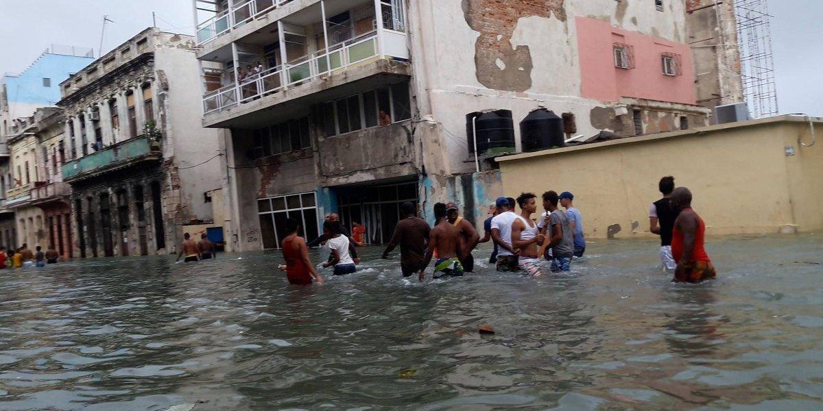 Olas y marejadas continúan ocasionando inundaciones en Cuba