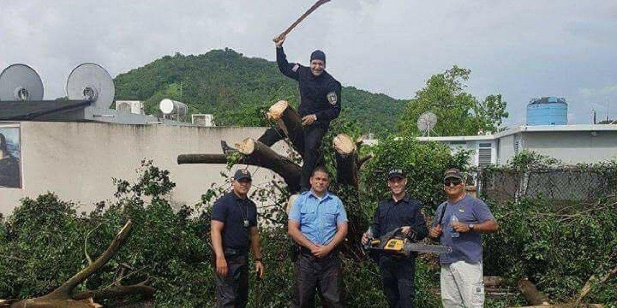 Fotogalería: Policías dan la milla extra en trabajos asociados al huracán Irma