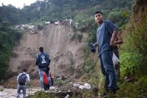 Desprendimiento de tierra en Tecún Uman