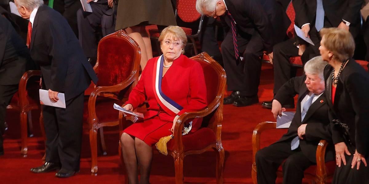 """Gobierno acusa """"falta de respeto"""" con Bachelet  por pifias durante Te Deum evangélico"""