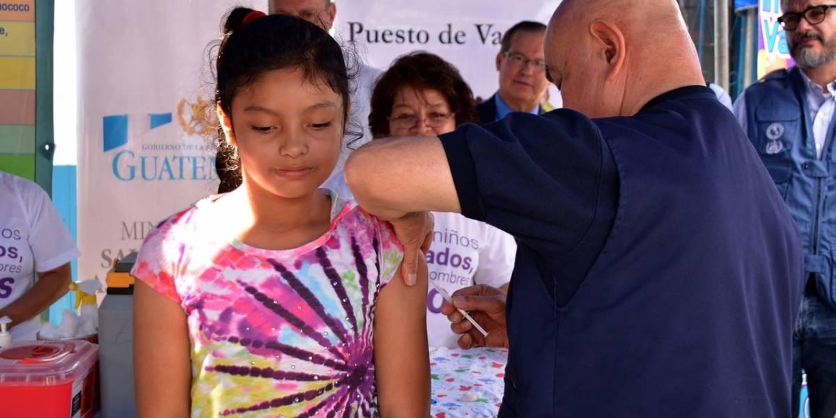 OPS llama a dar prioridad a la vacuna contra la polio