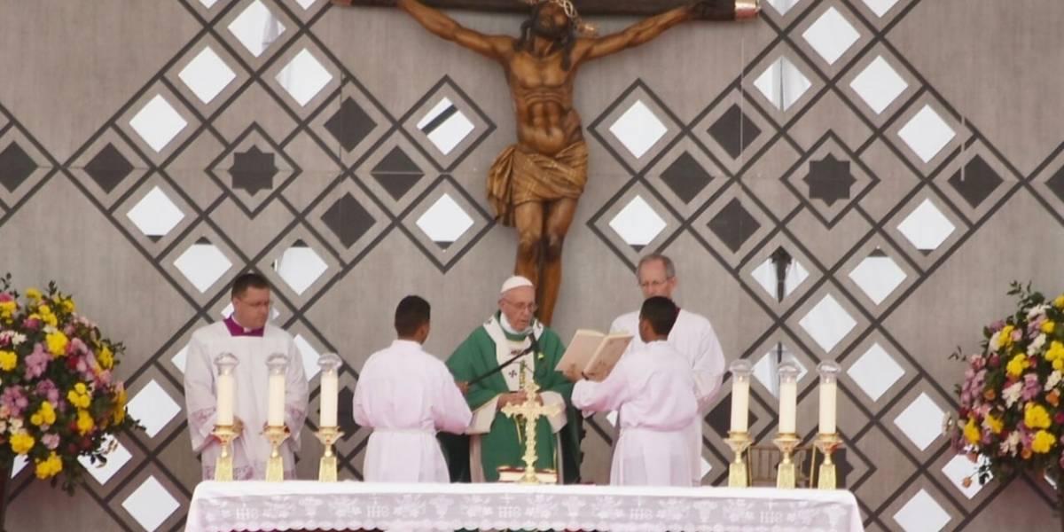 Con un nuevo llamado al perdón el papa le dijo adiós a Colombia