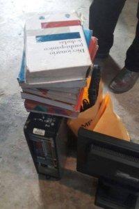 Recuperan computadora y 8 diccionarios robados en instituto hace tres años