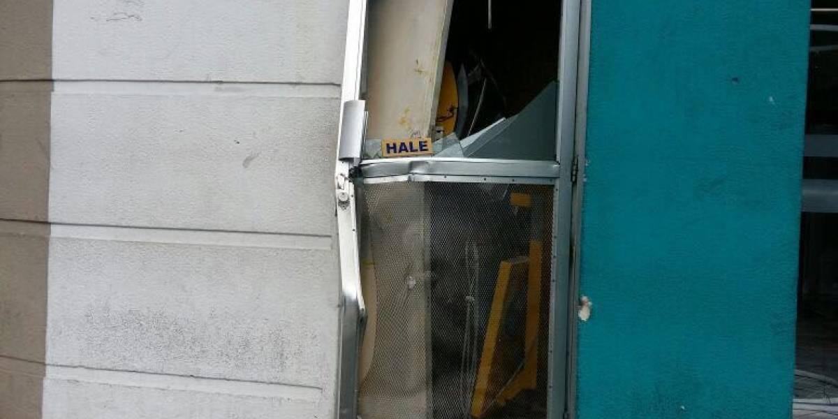 Daños por robo en un cajero automático en la zona 2
