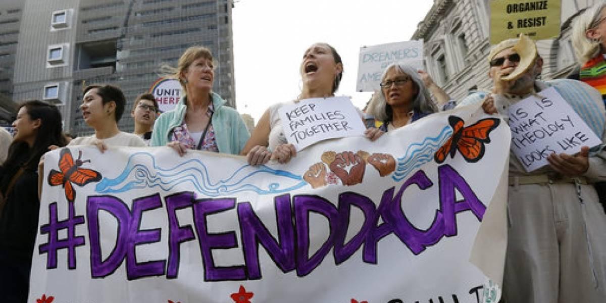 California impugna decisión de Trump de cancelar DACA