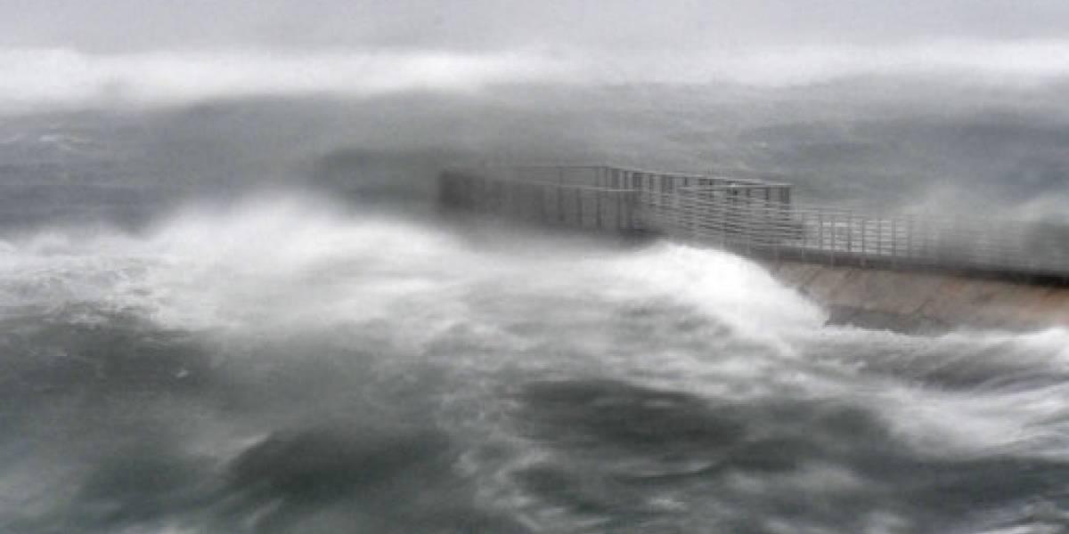 Debilitado Irma azota Florida con fuertes vientos y lluvia