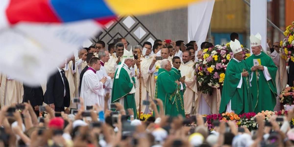 El Papa Francisco pide poner fin a la violencia en Venezuela