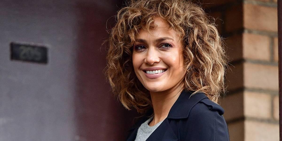 Jennifer López causa furor con baile sensual