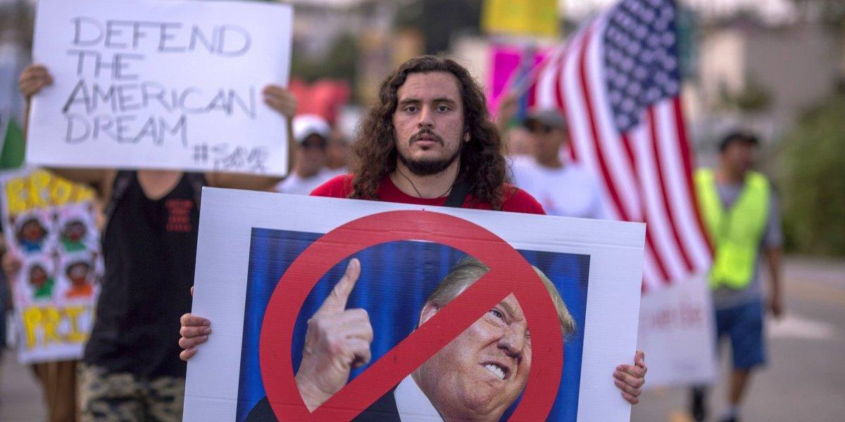 California demanda a Trump por lo de DACA