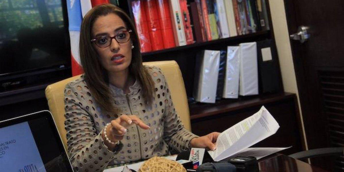 Senadora exige al Gobernador acción por los femicidios en P. R.