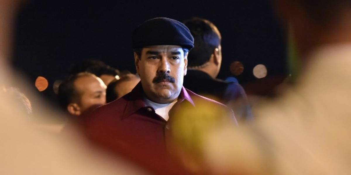 Nicolás Maduro concluye su polémica visita a Argelia