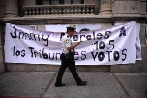 manifestacionescongresoinformepesquisidora12.jpg