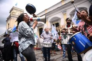 manifestacionescongresoinformepesquisidora3.jpg