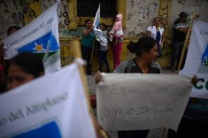 manifestacionescongresoinformepesquisidora4.jpg