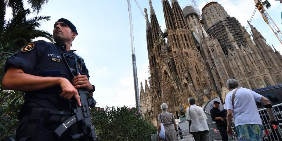 """""""Falsa alerta"""" obliga a evacuar La Sagrada Familia por un """"operativo antiterrorista"""""""