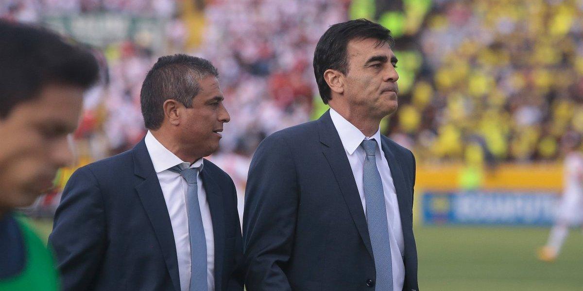 Ecuador despidió a su entrenador a un mes de jugar decisivo partido con Chile